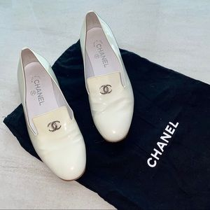 CHANEL White Loafers Flats Sz38